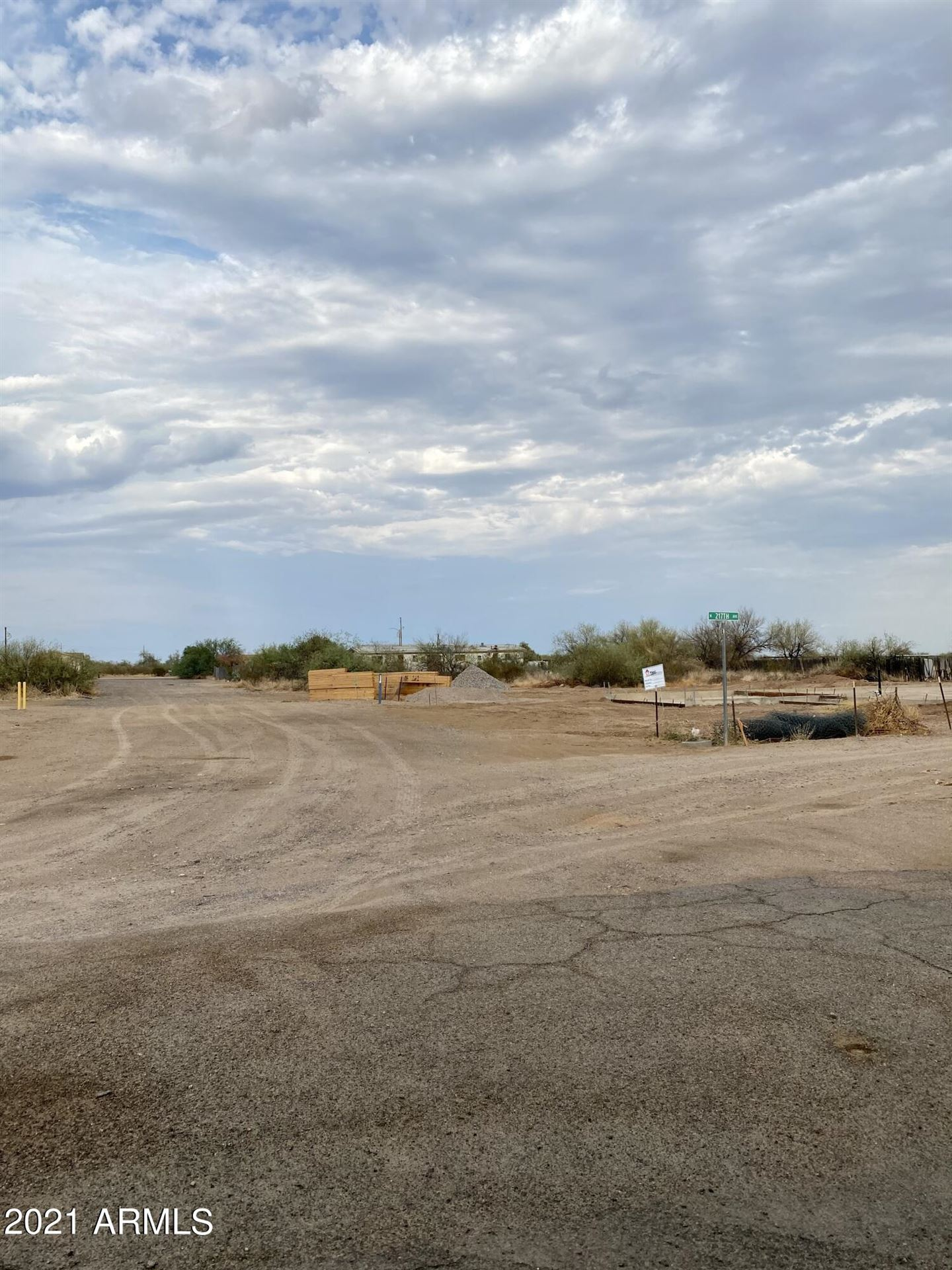 Photo of 21650 W Laura Street, Wittmann, AZ 85361 (MLS # 6265014)