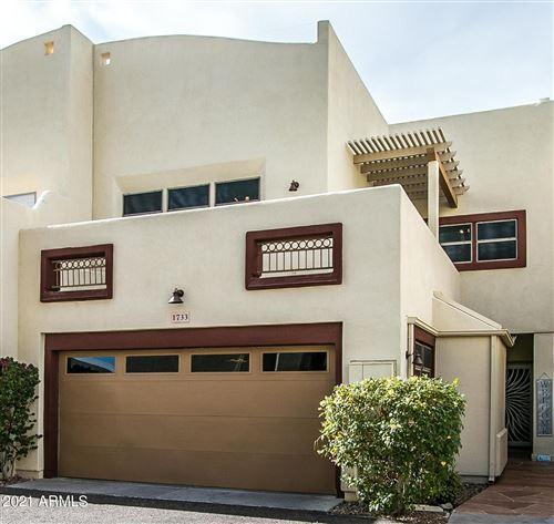 Photo of 1733 E LIBRA Drive, Tempe, AZ 85283 (MLS # 6184020)