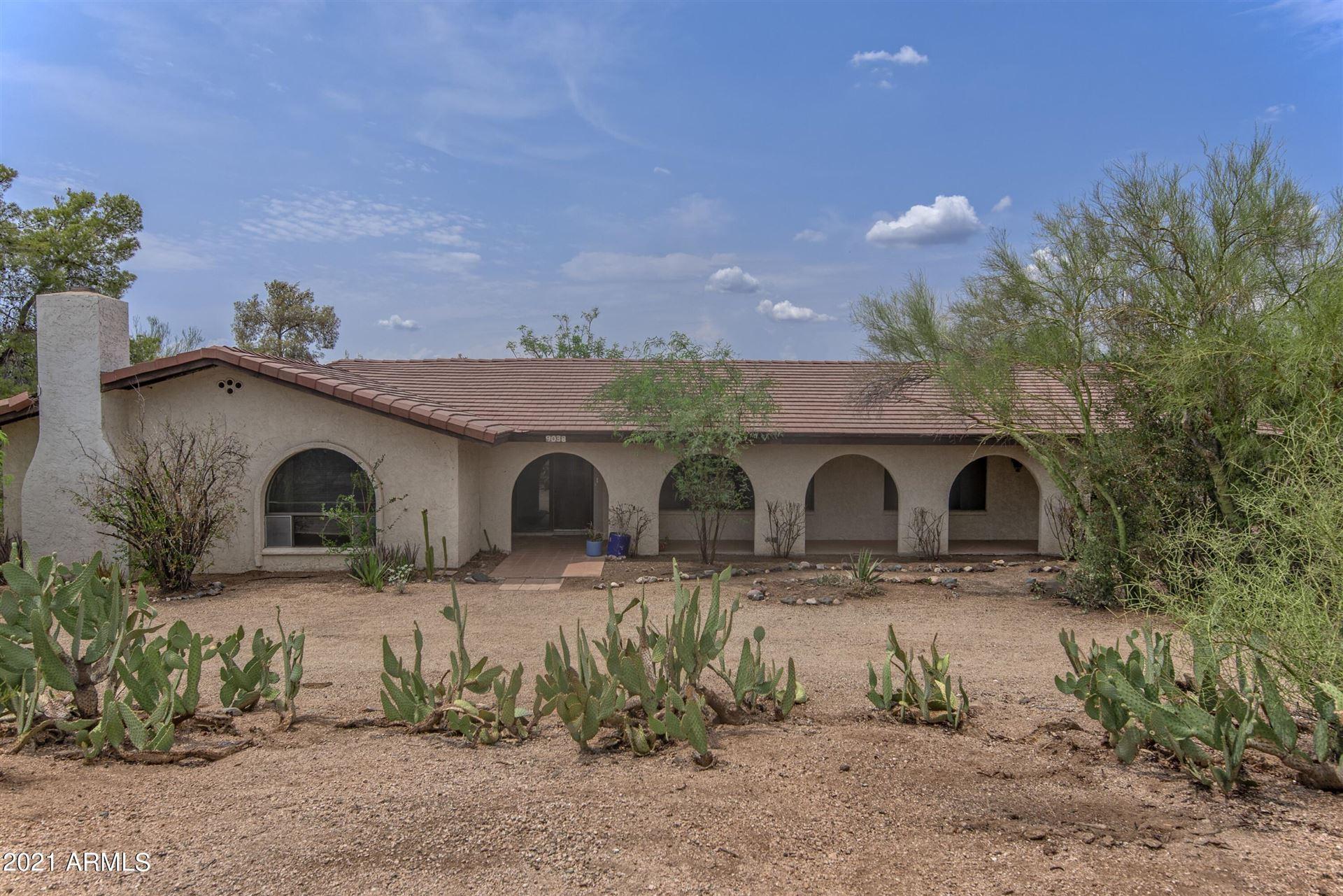 Photo of 9038 E LAZYWOOD Place, Carefree, AZ 85377 (MLS # 6262020)