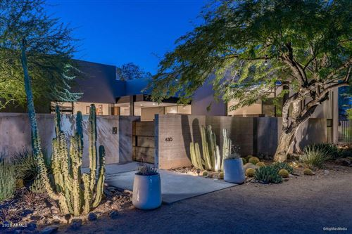 Photo of 6310 N 47th Place, Paradise Valley, AZ 85253 (MLS # 6172022)