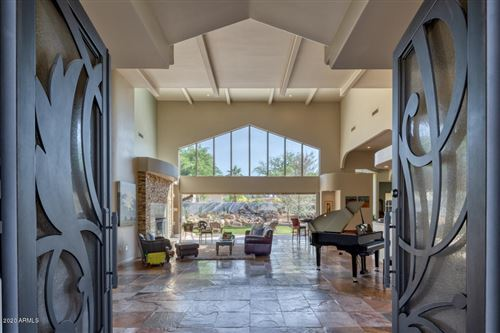 Photo of 5701 N 32ND Place, Paradise Valley, AZ 85253 (MLS # 6077025)