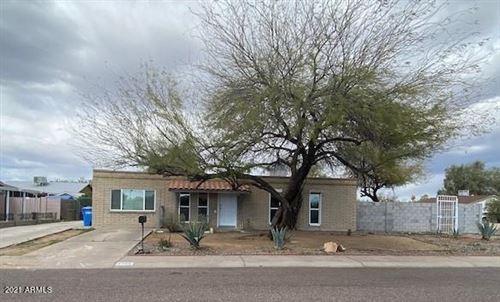 Photo of 2202 W MICHIGAN Avenue, Phoenix, AZ 85023 (MLS # 6200029)
