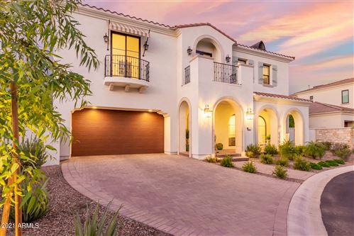 Photo of 3906 E CRITTENDEN Lane, Phoenix, AZ 85018 (MLS # 6299029)
