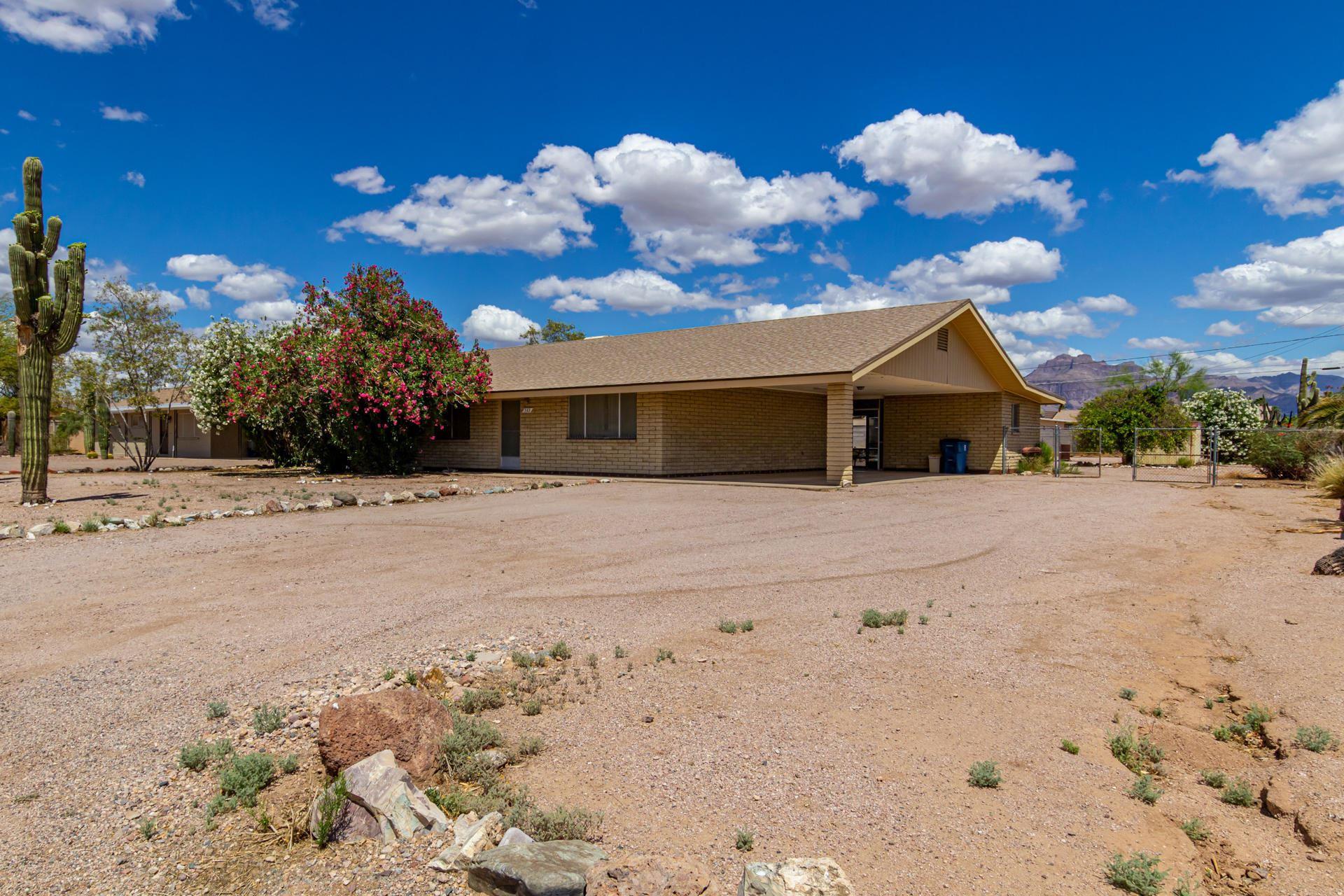 Photo of 589 N THUNDERBIRD Drive, Apache Junction, AZ 85120 (MLS # 6228030)