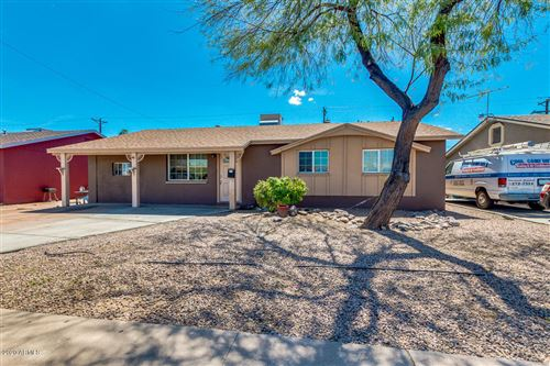 Photo of 5923 W OSBORN Road, Phoenix, AZ 85033 (MLS # 6058039)