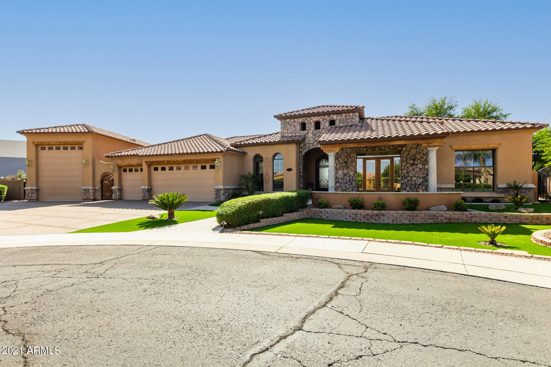 Photo of 1744 S Beverly Court, Chandler, AZ 85286 (MLS # 6307043)