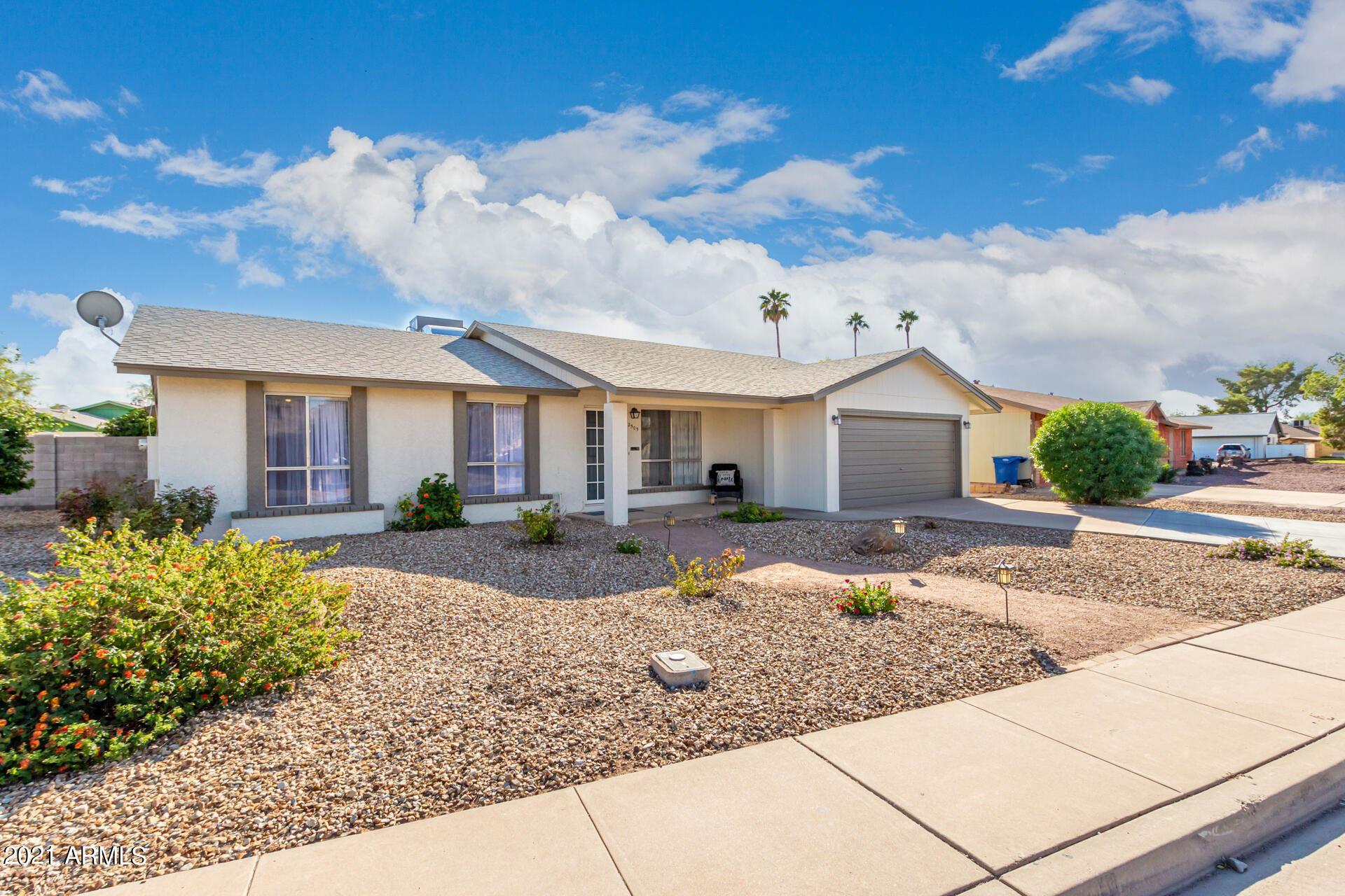 Photo of 2505 E COMMONWEALTH Circle, Chandler, AZ 85225 (MLS # 6311051)