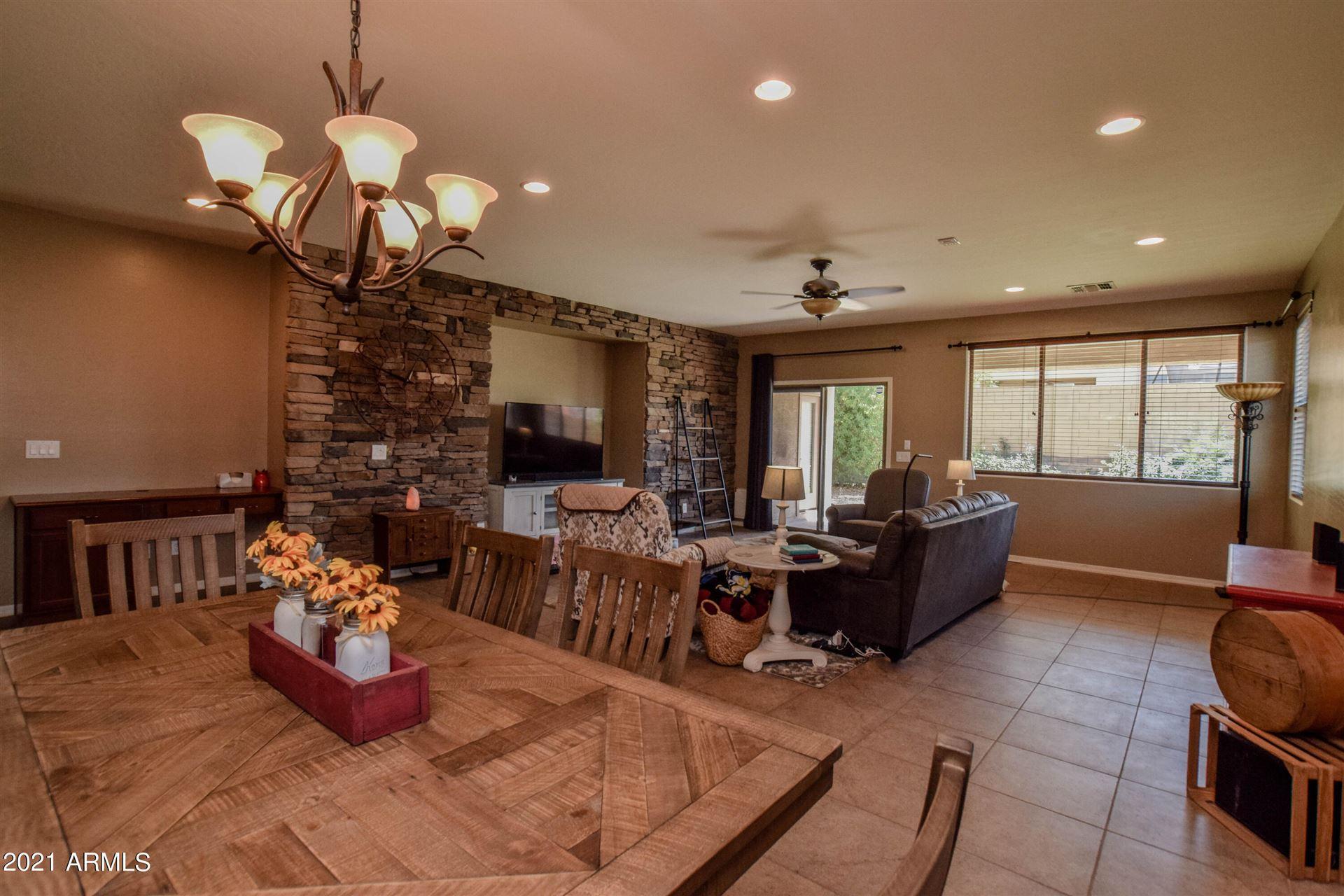 Photo of 775 W DESERT HILLS Drive, San Tan Valley, AZ 85143 (MLS # 6230054)