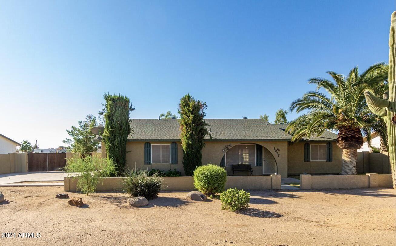 Photo of 1077 E MESQUITE Avenue, Apache Junction, AZ 85119 (MLS # 6306063)