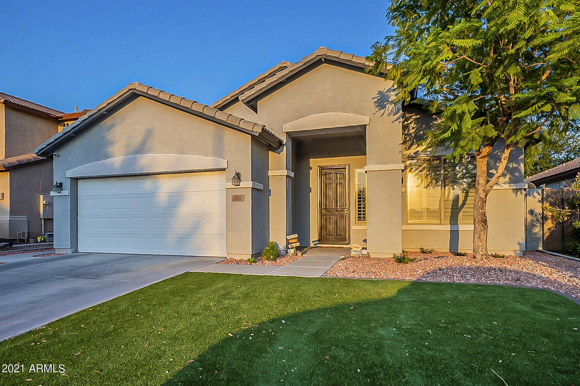 Photo of 225 S 123RD Drive, Avondale, AZ 85323 (MLS # 6294071)
