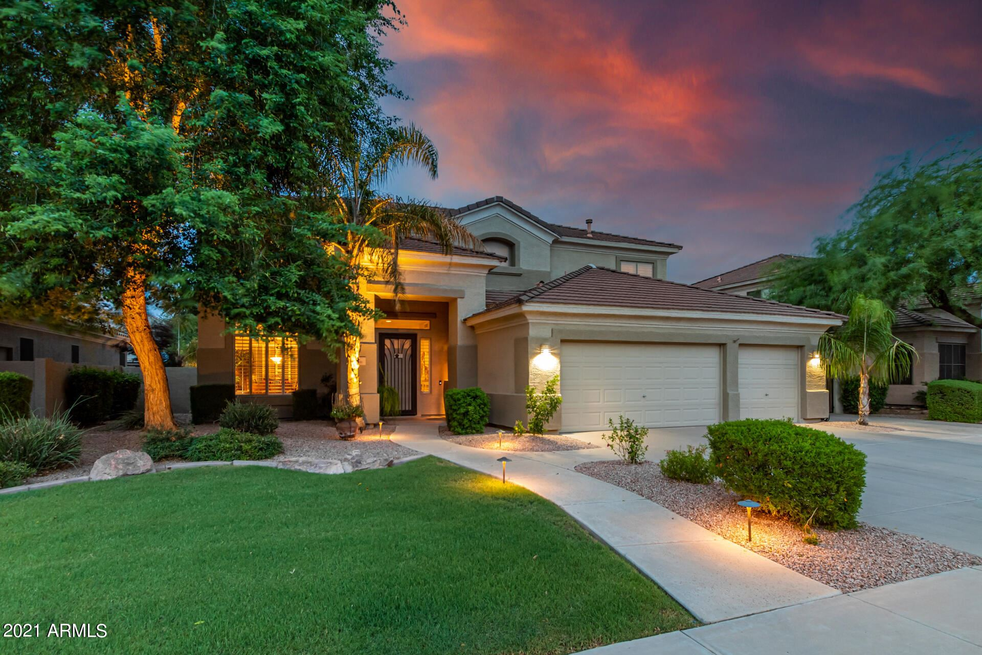 Photo of 1490 E SAGEBRUSH Street, Gilbert, AZ 85296 (MLS # 6269073)