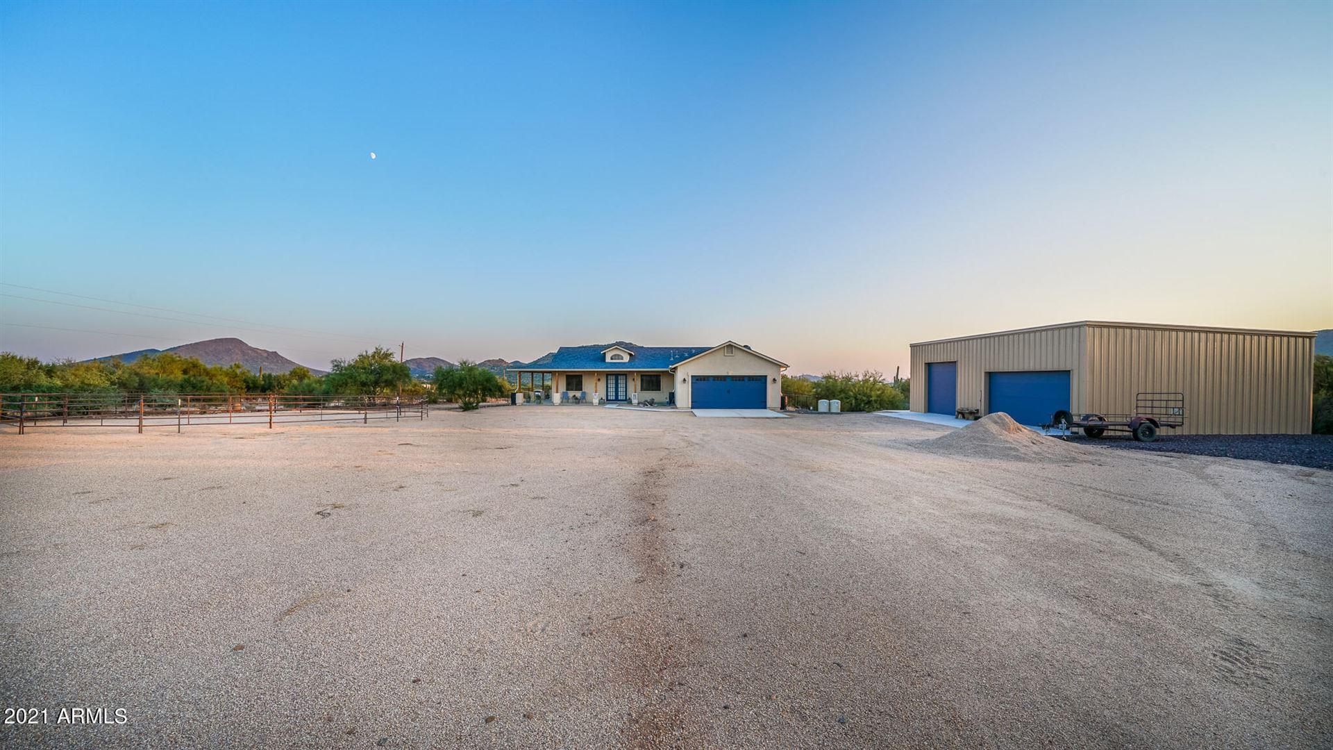 Photo of 411 E VENADO Drive, New River, AZ 85087 (MLS # 6294078)