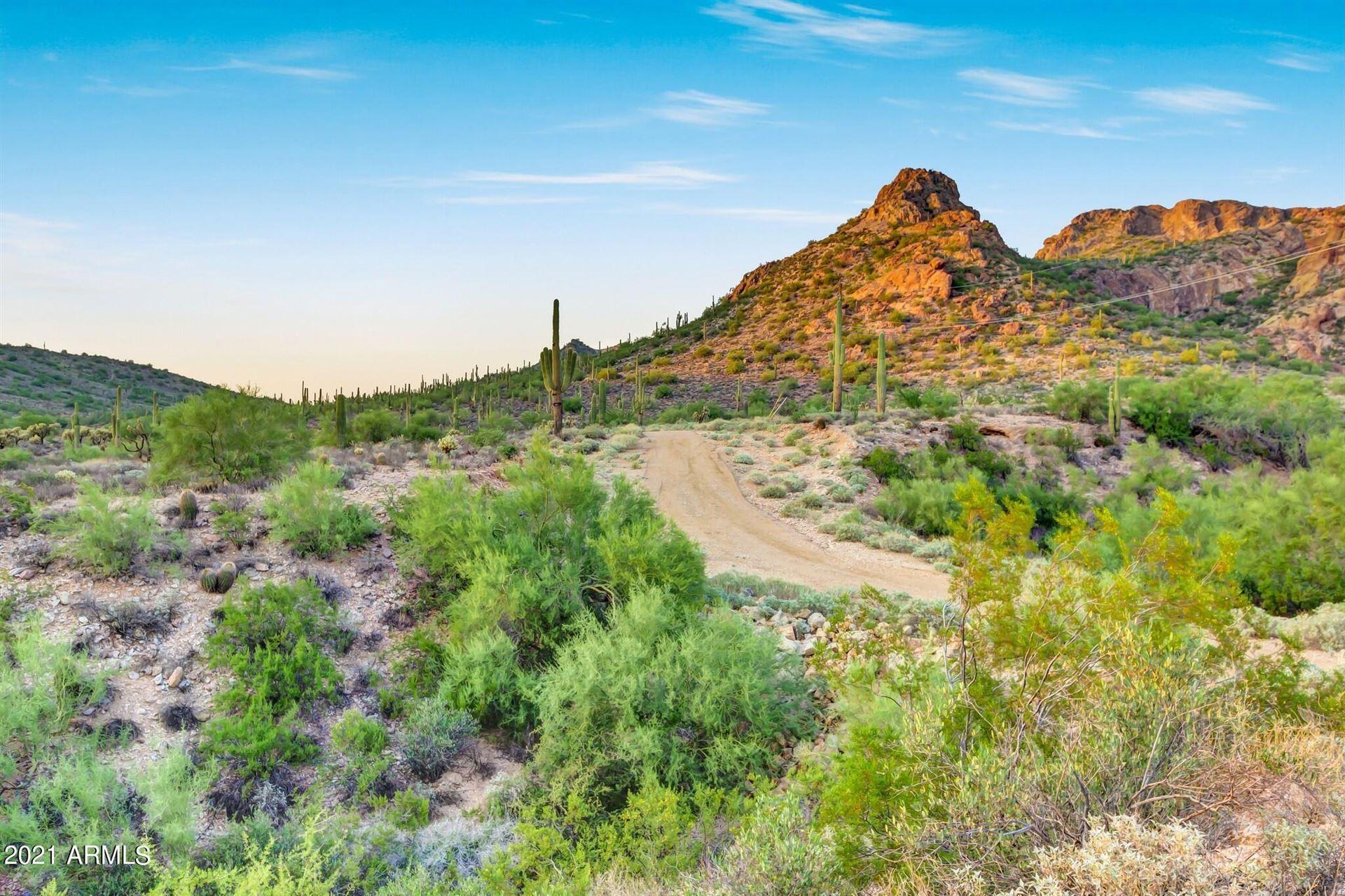 Photo of 0 N IDAHO Road, Apache Junction, AZ 85119 (MLS # 6292082)