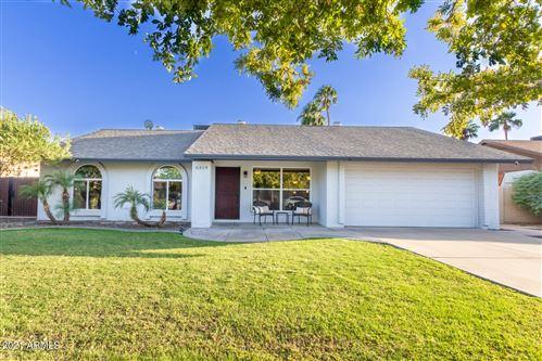 Photo of 6319 W CHOLLA Street, Glendale, AZ 85304 (MLS # 6310085)