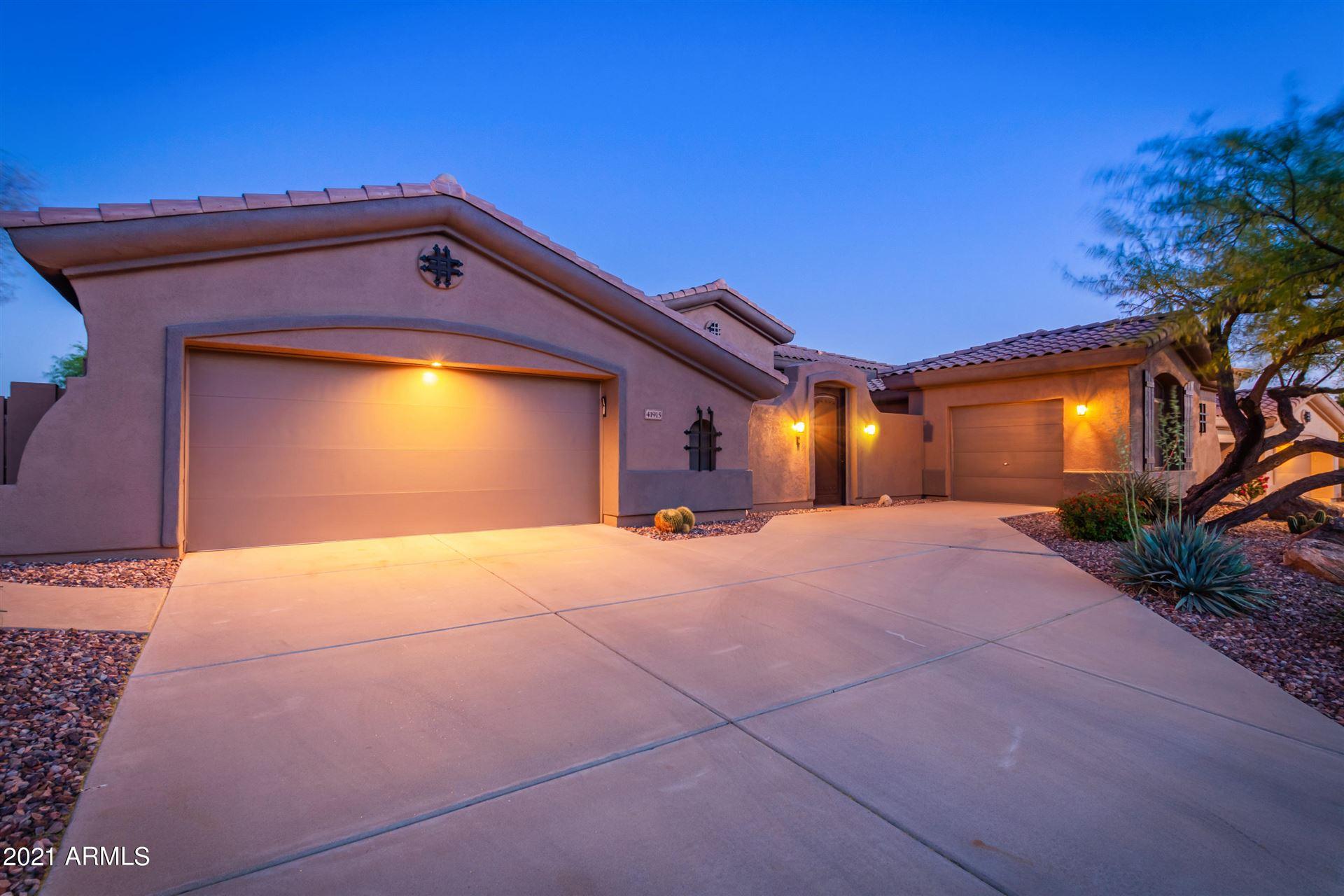 Photo of 41915 N GOLF CREST Road, Anthem, AZ 85086 (MLS # 6226087)