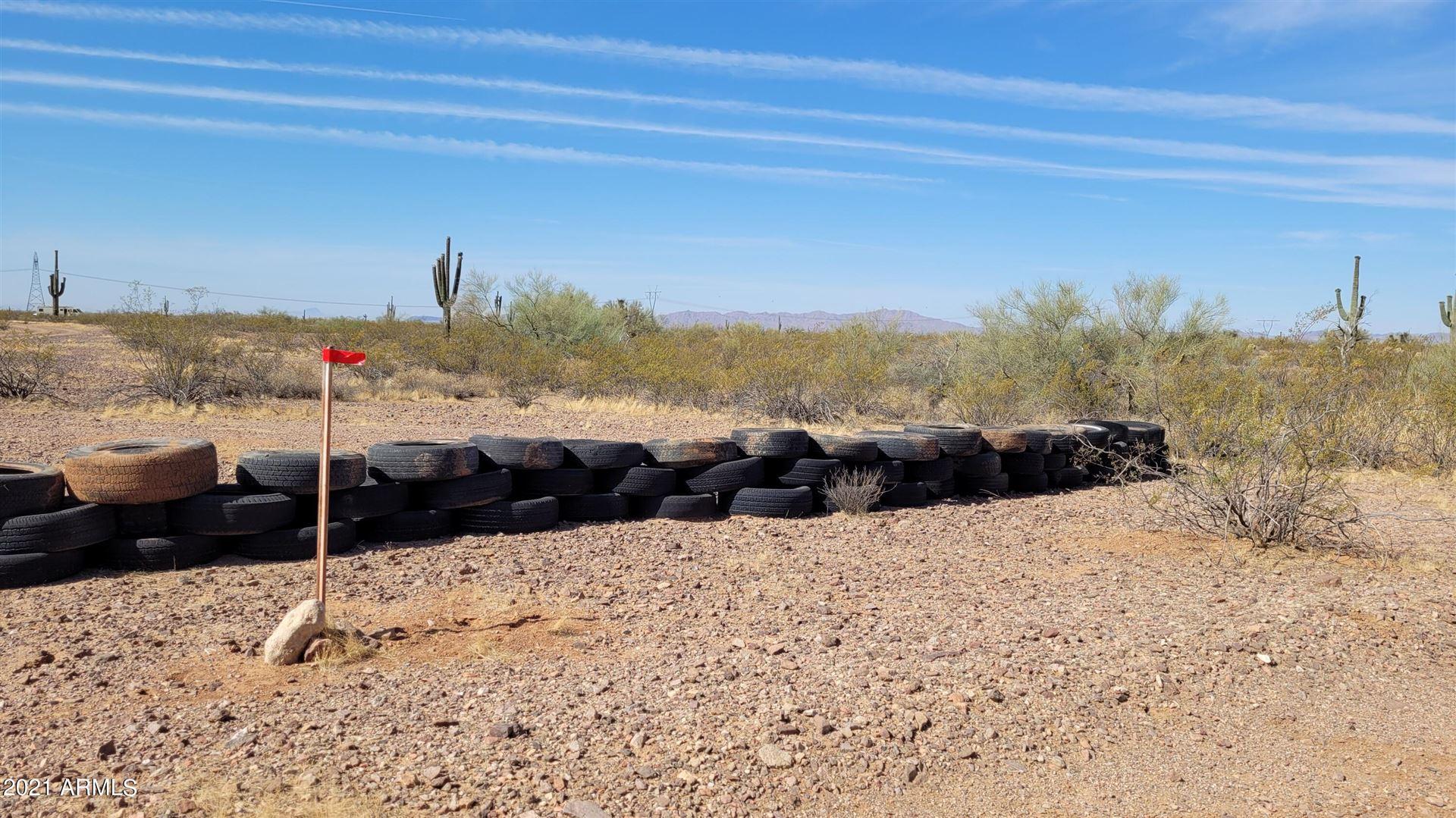 Photo of 325XX W Painted Wagon Road, Wittmann, AZ 85361 (MLS # 6249088)