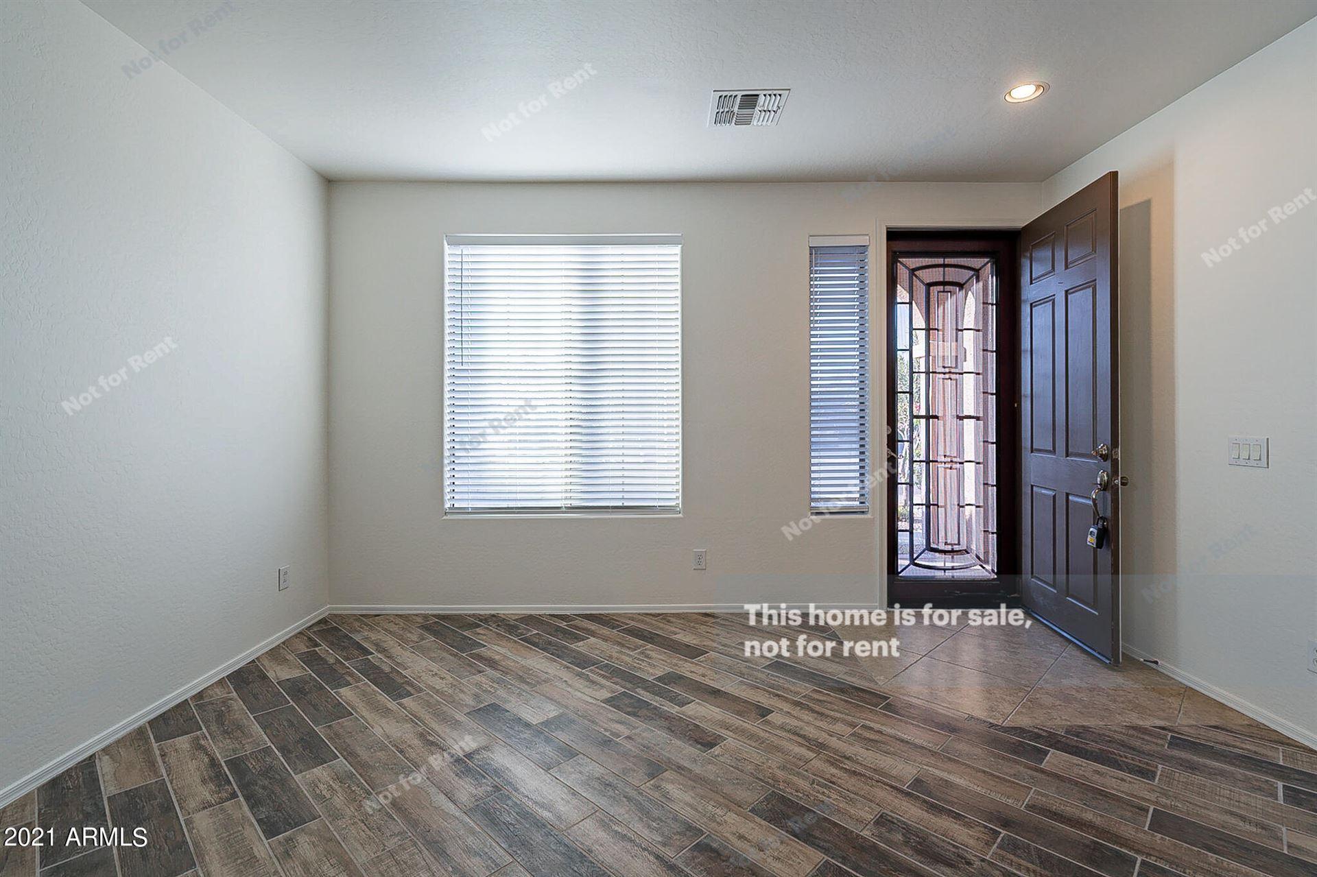 Photo of 4632 E GLENEAGLE Drive, Chandler, AZ 85249 (MLS # 6311090)