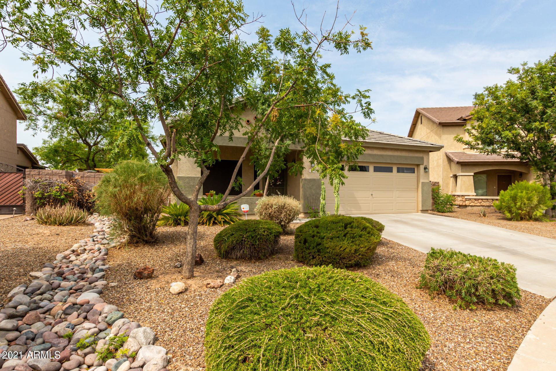 Photo of 21302 N SUNSET Drive, Maricopa, AZ 85139 (MLS # 6269095)