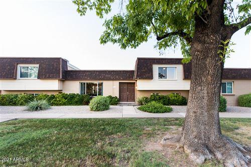 Photo of 8414 E CHAPARRAL Road, Scottsdale, AZ 85250 (MLS # 6294099)