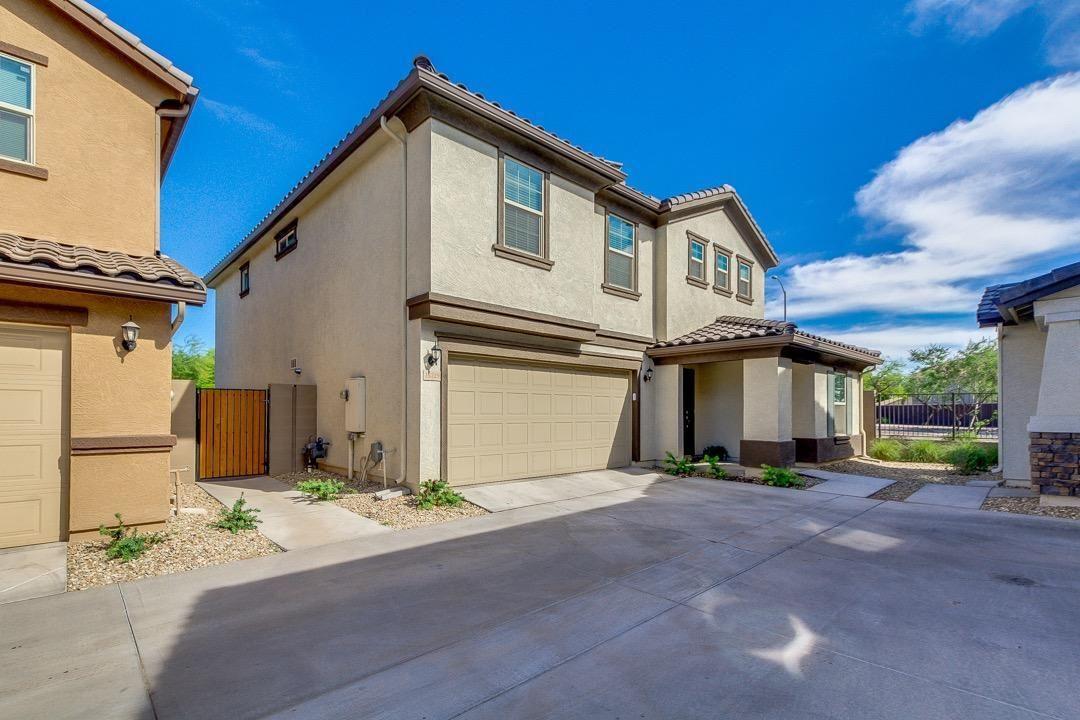Photo of 16329 W LATHAM Street, Goodyear, AZ 85338 (MLS # 6231100)