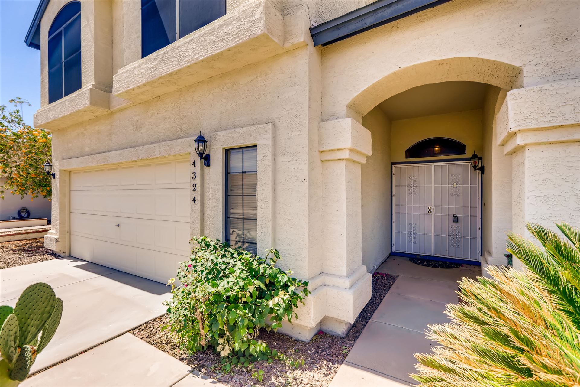 Photo of 4324 W BEHREND Drive, Glendale, AZ 85308 (MLS # 6234103)