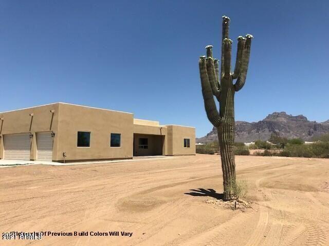 Photo of 6508 E Tranquilo Street, Apache Junction, AZ 85119 (MLS # 6289109)