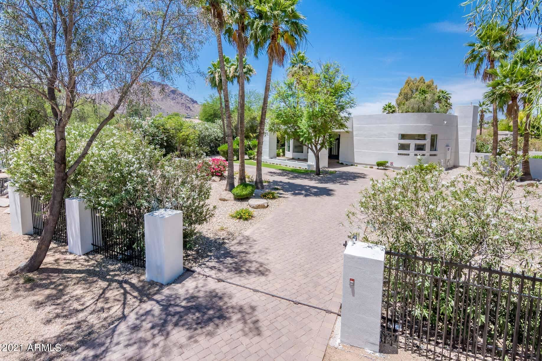Photo of 6501 N 63RD Place, Paradise Valley, AZ 85253 (MLS # 6250112)