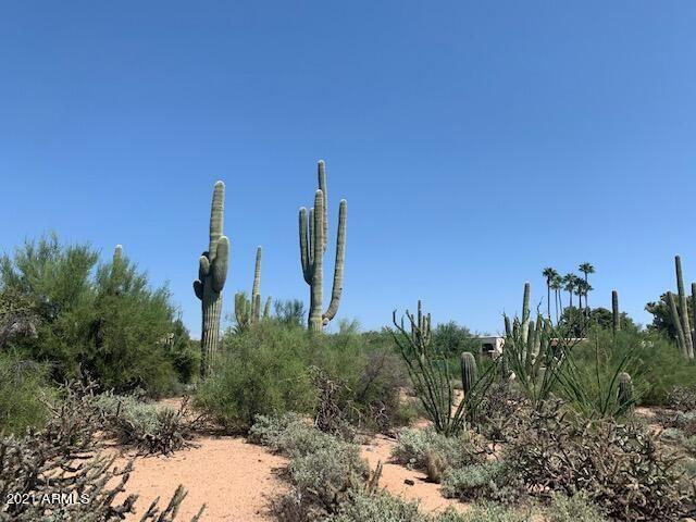 Photo of 0 E Carefree Drive, Carefree, AZ 85377 (MLS # 6290113)
