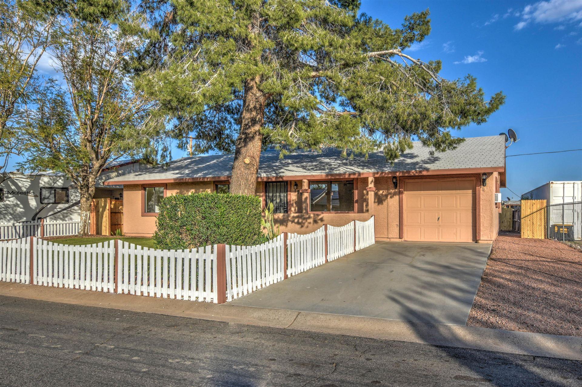 Photo of 175 PERETZ Circle, Morristown, AZ 85342 (MLS # 6216114)