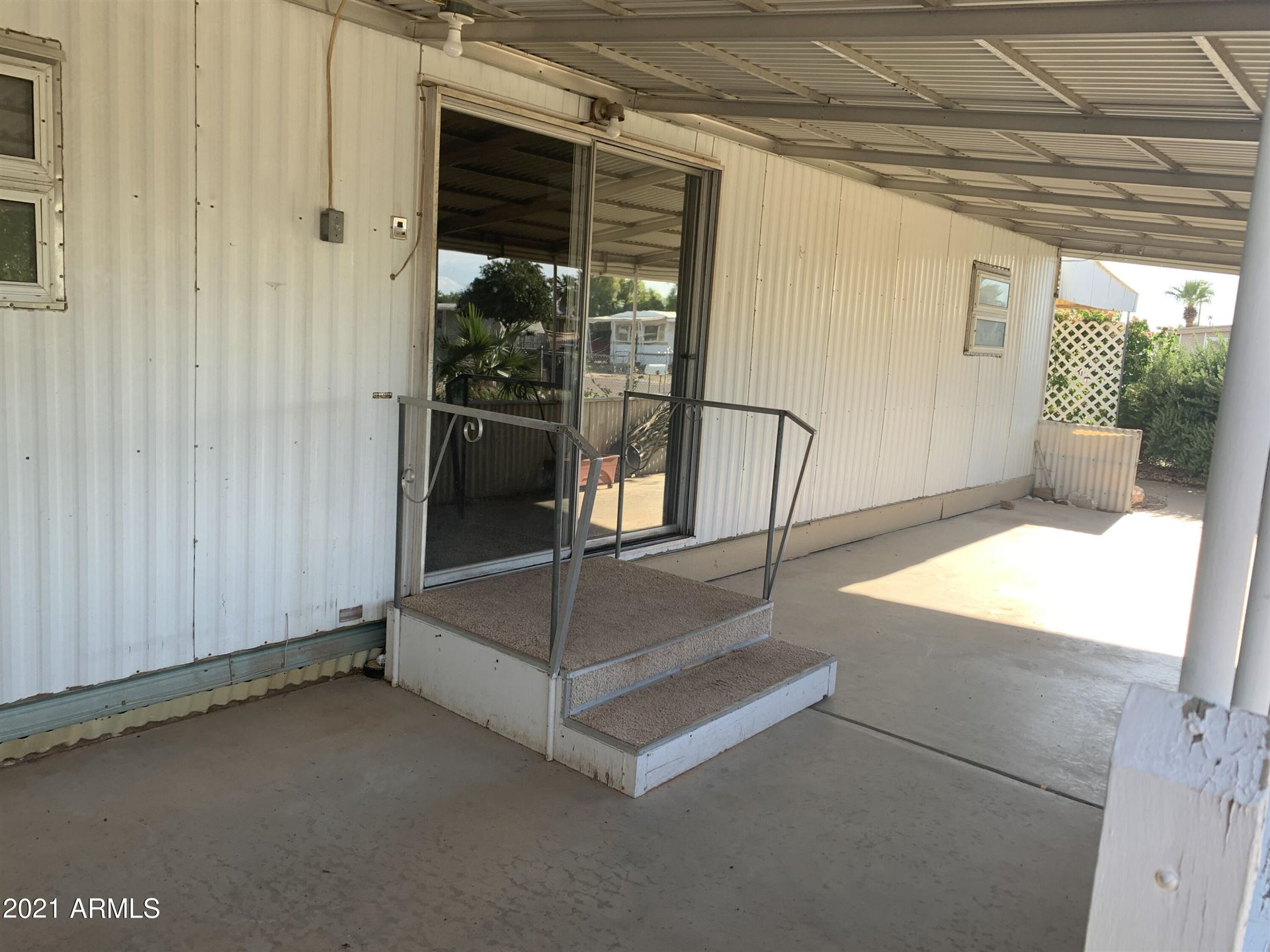 Photo of 347 S GOLD Drive, Apache Junction, AZ 85120 (MLS # 6289116)
