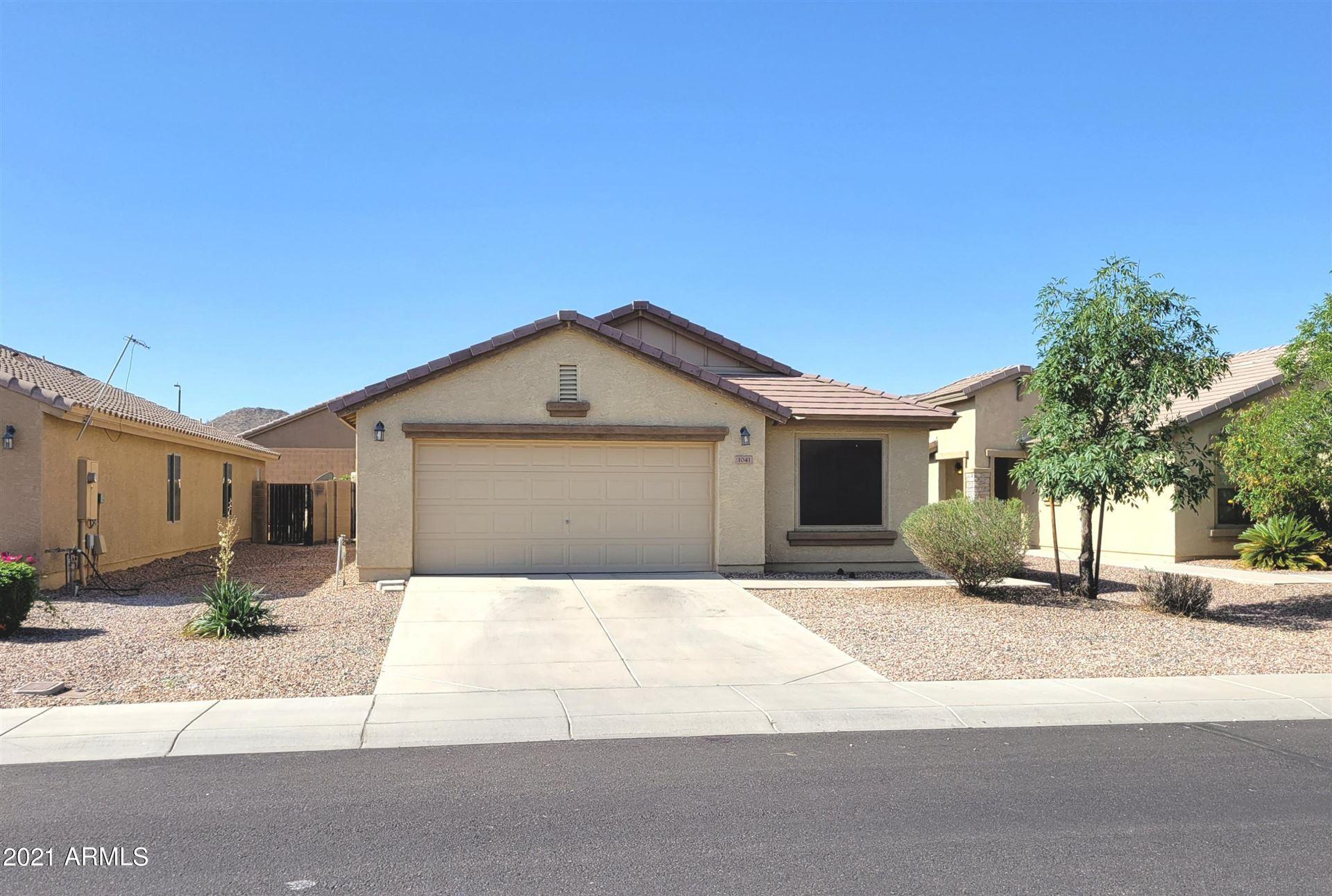 Photo of 1041 W DESERT HILLS Drive, San Tan Valley, AZ 85143 (MLS # 6232122)
