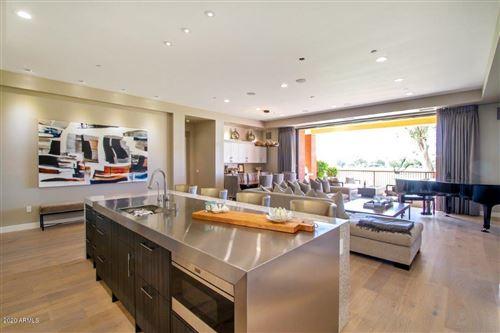 Photo of 2 E BILTMORE Estate #101, Phoenix, AZ 85016 (MLS # 6140126)