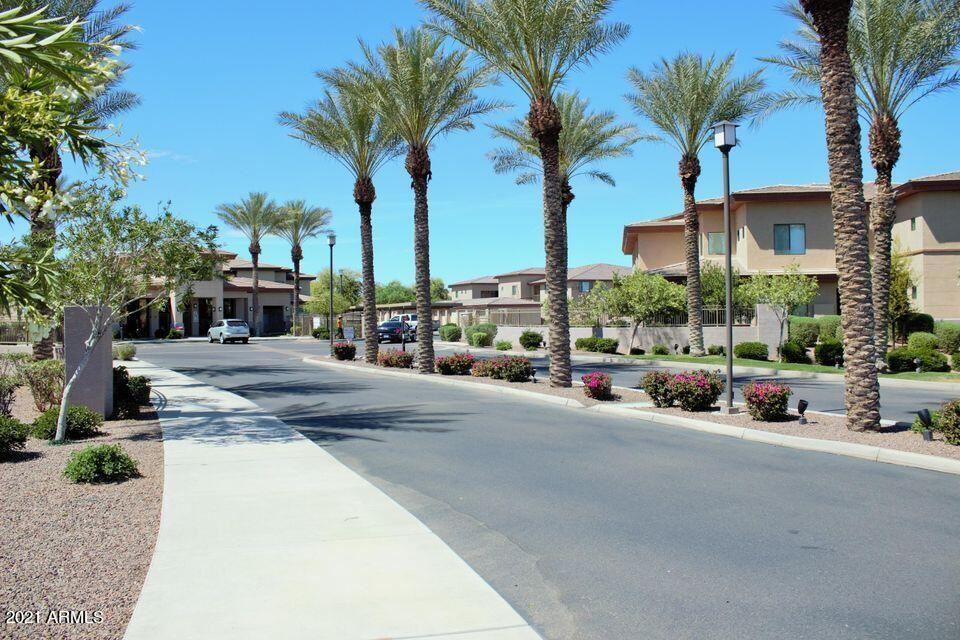 Photo of 3330 S GILBERT Road #2003, Chandler, AZ 85286 (MLS # 6272129)