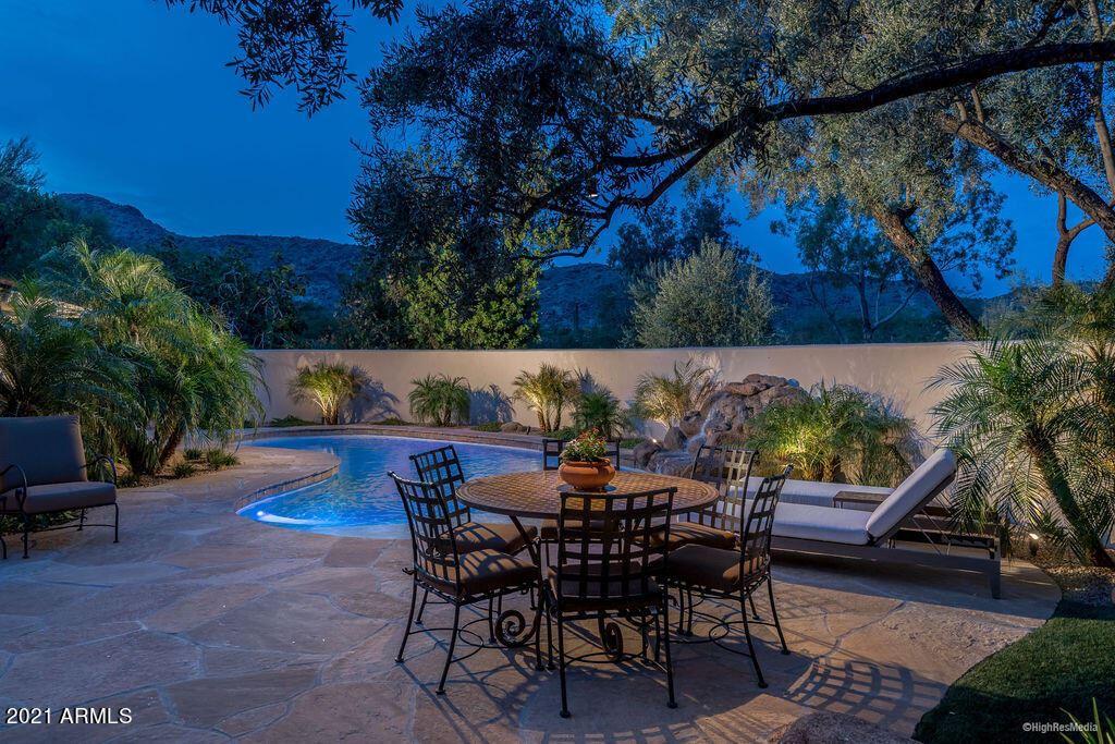 Photo of 5635 E LINCOLN Drive #10, Paradise Valley, AZ 85253 (MLS # 6269138)