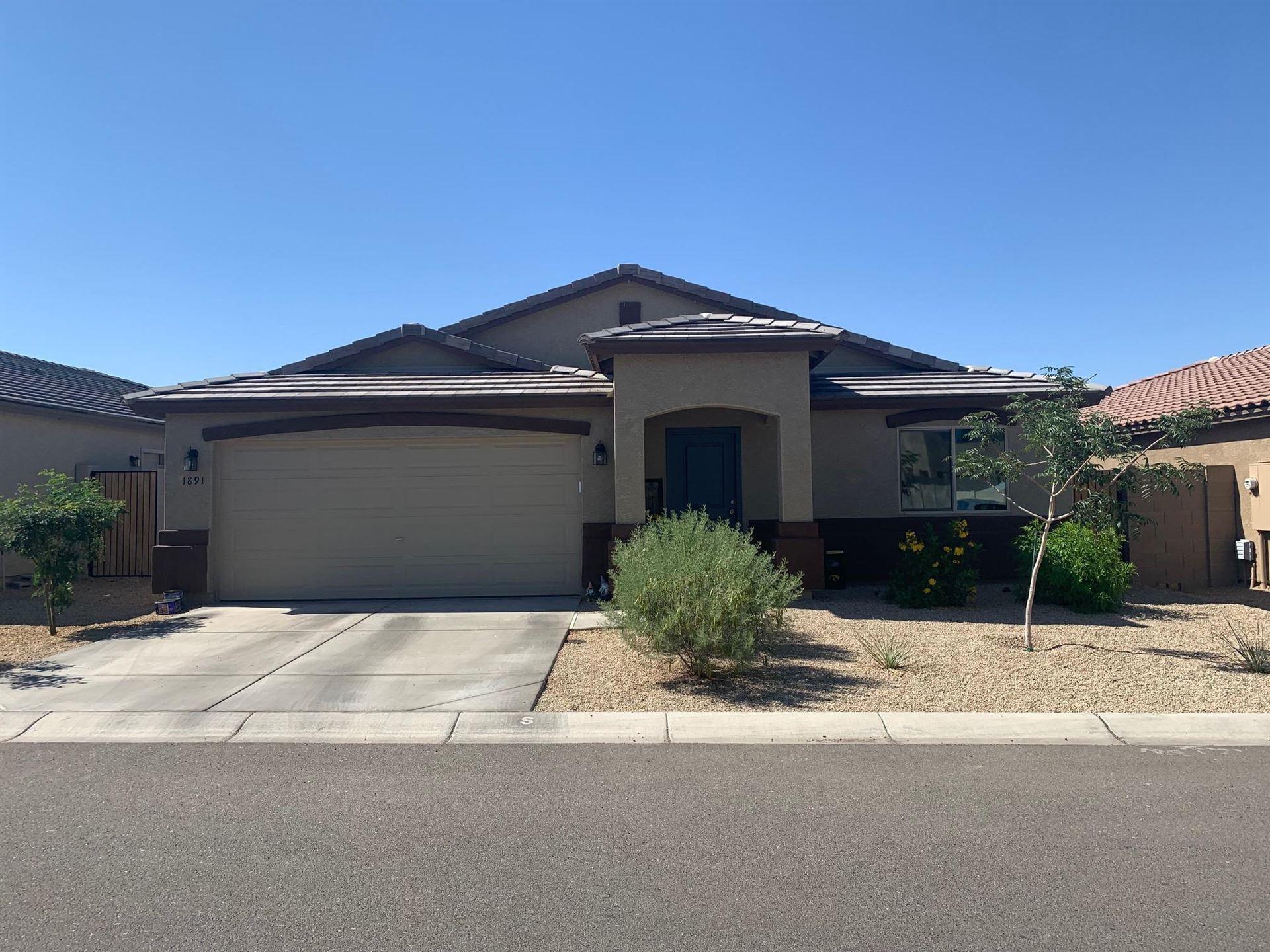 Photo of 1891 W OVERLAND Street, Apache Junction, AZ 85120 (MLS # 6230148)
