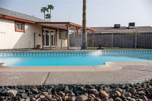 Photo of 2408 W GREENWAY Road, Tempe, AZ 85282 (MLS # 6134158)