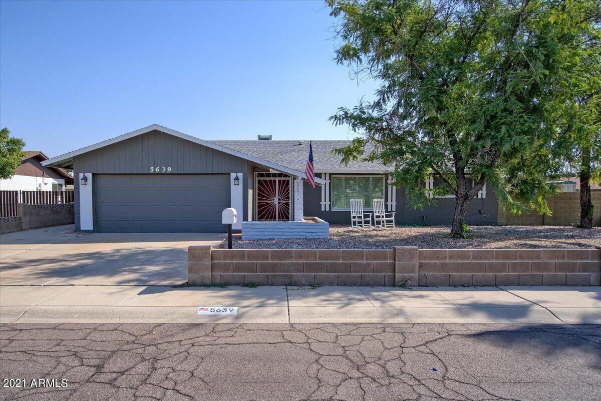 Photo of 5639 W TIERRA BUENA Lane, Glendale, AZ 85306 (MLS # 6287169)