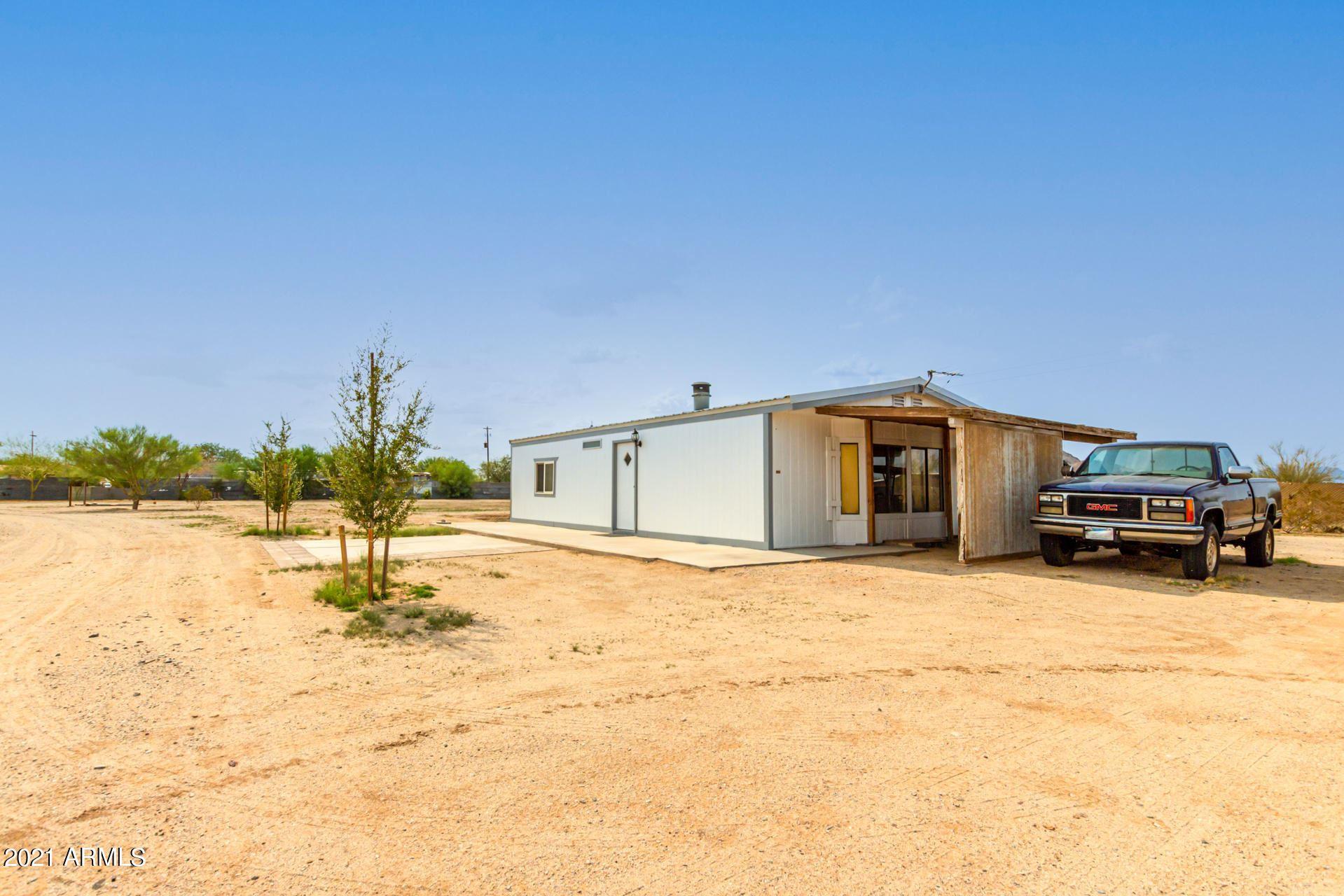 Photo of 53400 W HAWKINS Road, Maricopa, AZ 85139 (MLS # 6269175)