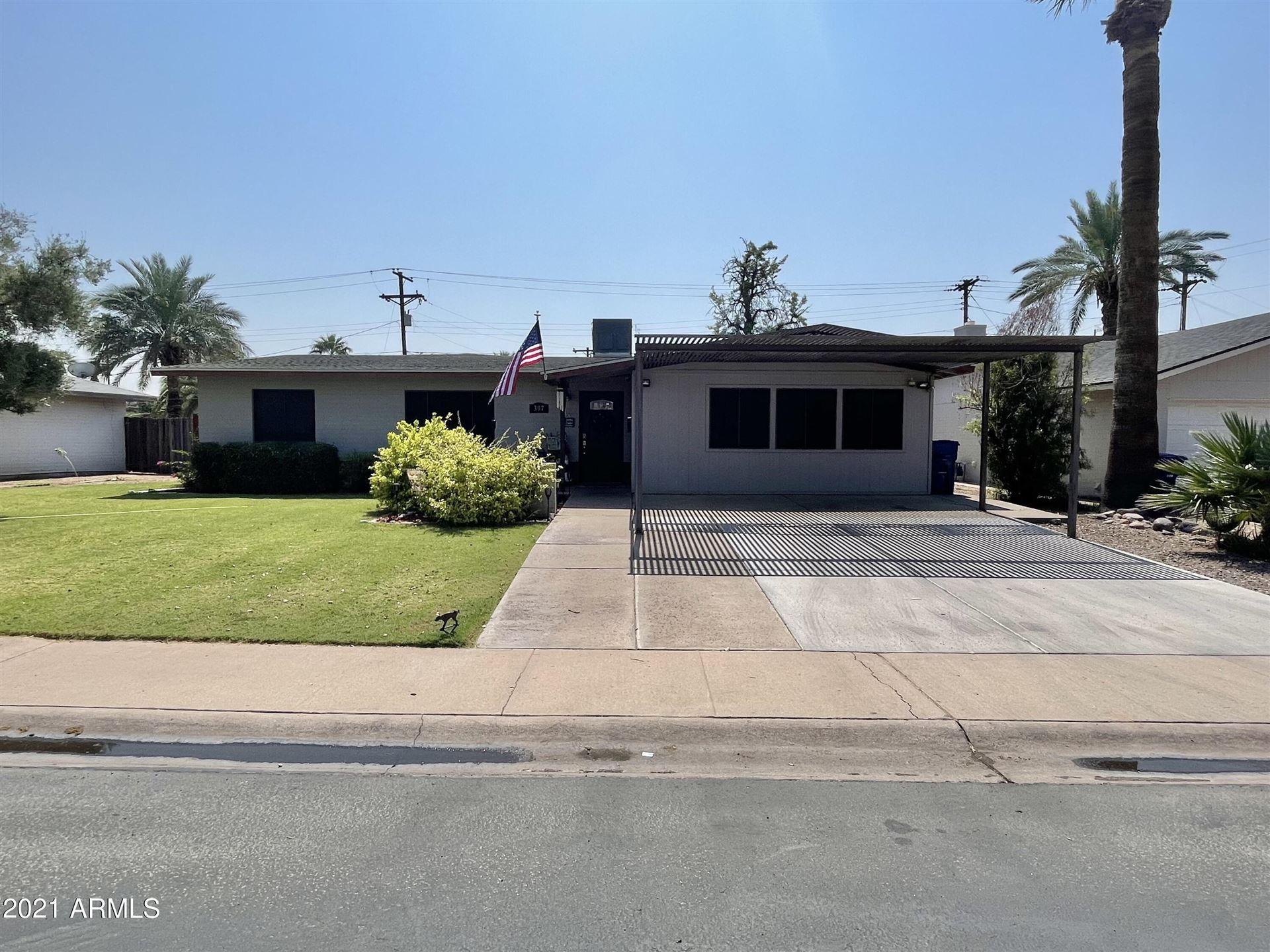 Photo of 307 E HERMOSA Drive, Tempe, AZ 85282 (MLS # 6293178)