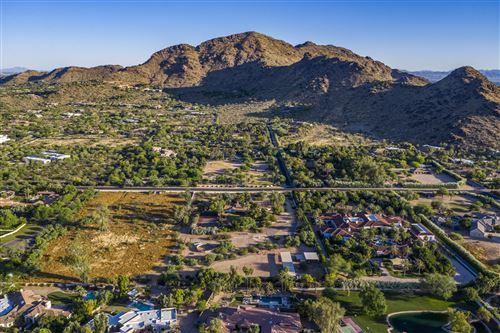 Photo of 5724 E MOCKINGBIRD Lane, Paradise Valley, AZ 85253 (MLS # 6082181)