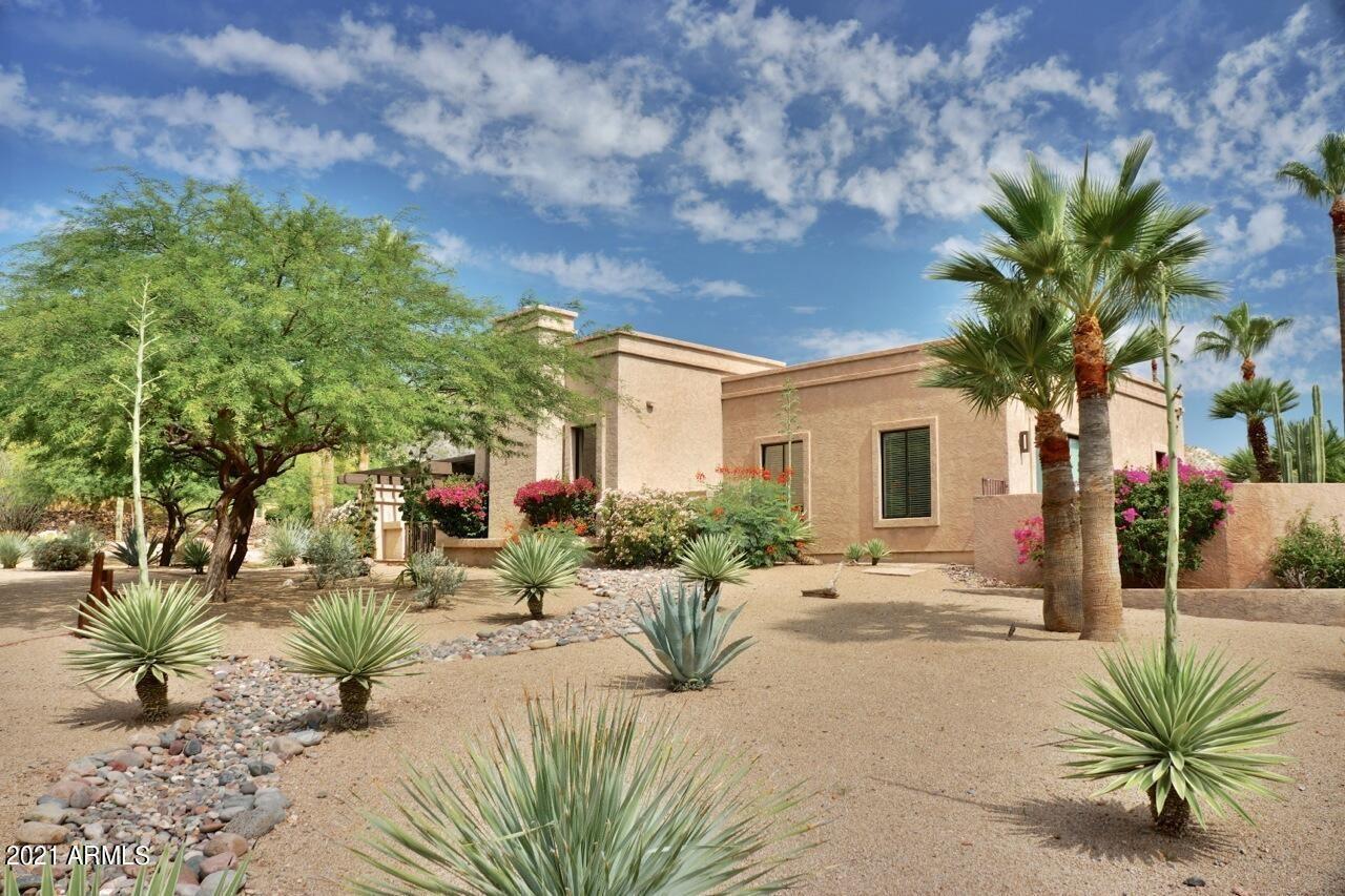 Photo of 4708 E DESERT PARK Place, Paradise Valley, AZ 85253 (MLS # 6304182)