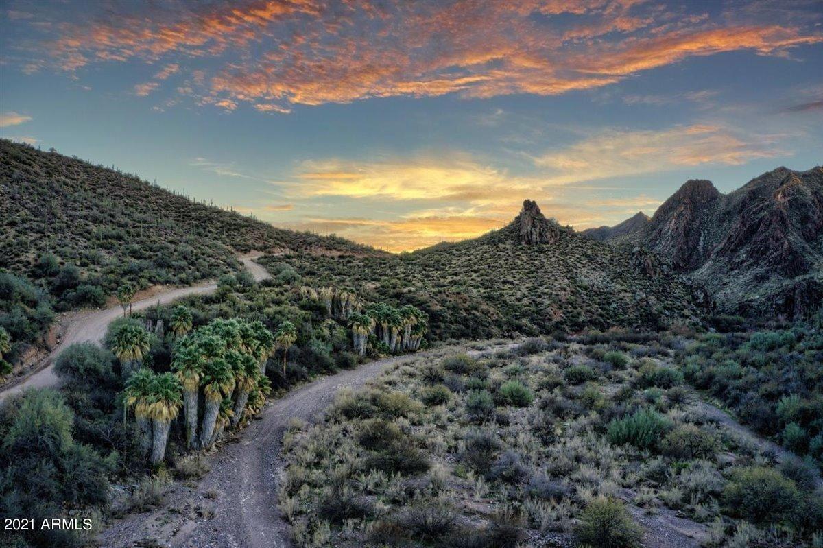 Photo of 5102 N CASTLE HOT SPRINGS Road, Morristown, AZ 85342 (MLS # 6193195)