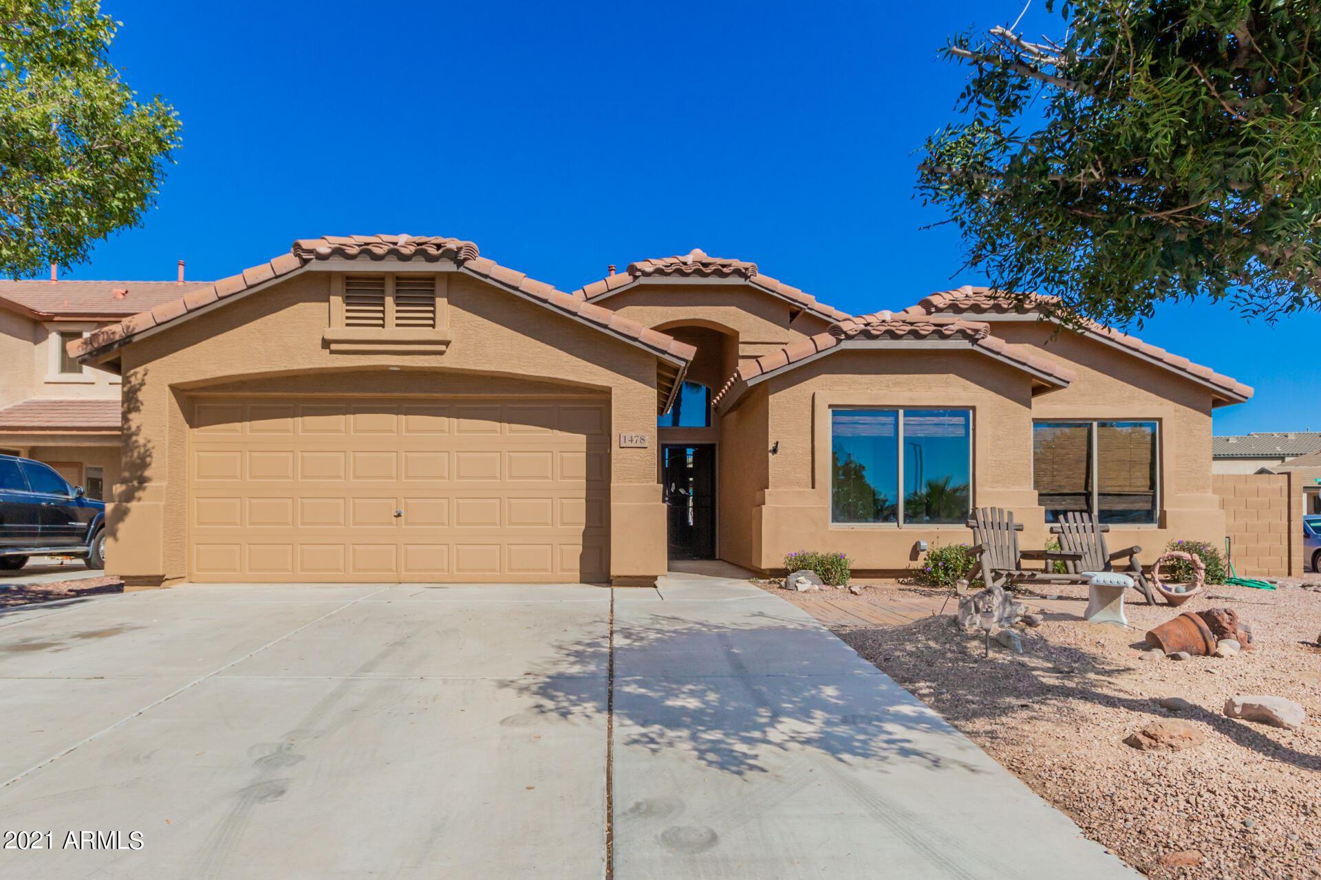 Photo of 1478 E BAKER Drive, San Tan Valley, AZ 85140 (MLS # 6306195)