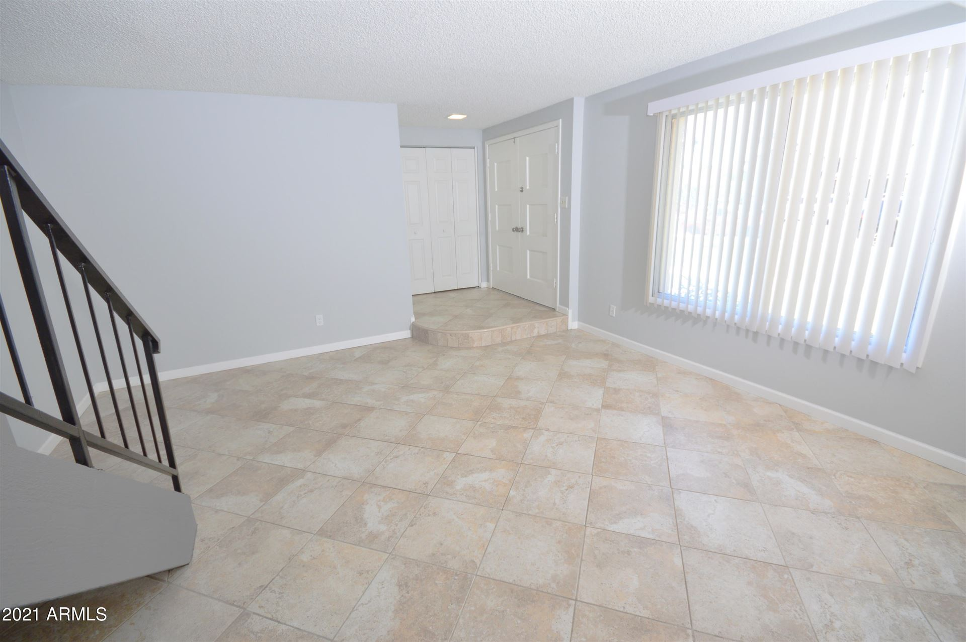 Photo of 3325 S Oak Street, Tempe, AZ 85282 (MLS # 6231199)