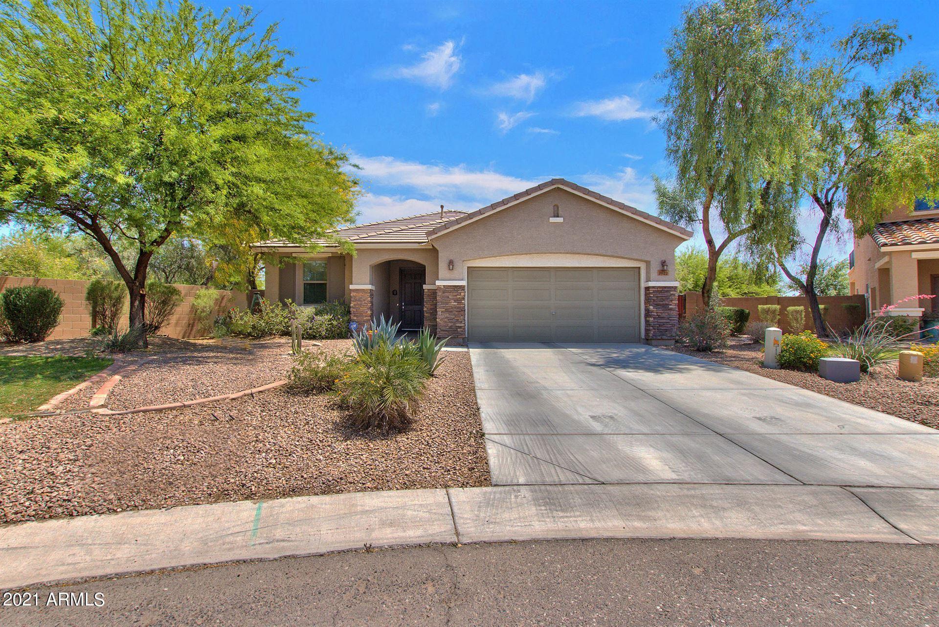 Photo of 1023 W STEPHANIE Lane, San Tan Valley, AZ 85143 (MLS # 6225210)