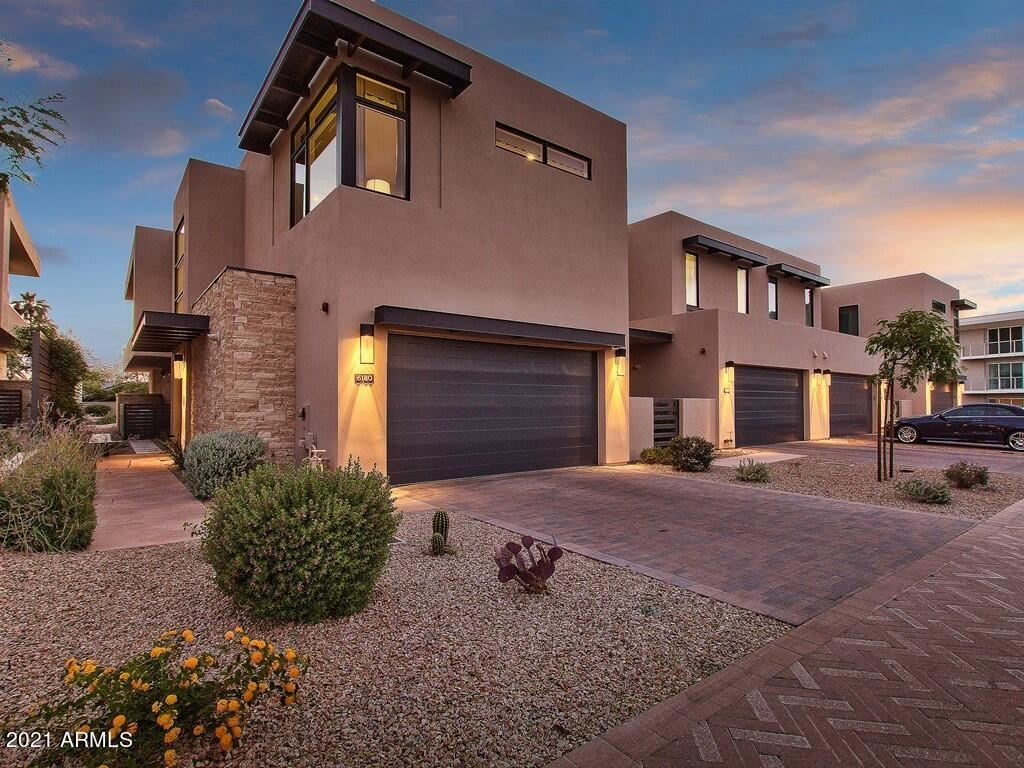 Photo of 6180 N LAS BRISAS Drive, Paradise Valley, AZ 85253 (MLS # 6229212)