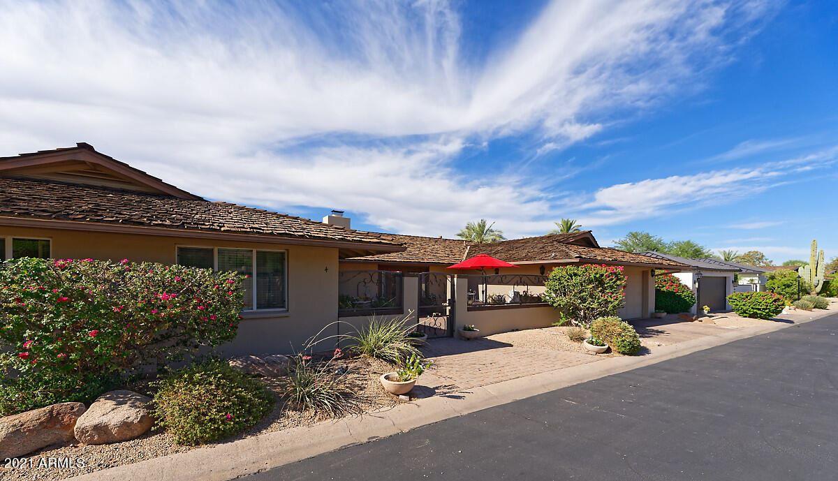 Photo of 5635 E LINCOLN Drive #4, Paradise Valley, AZ 85253 (MLS # 6248227)