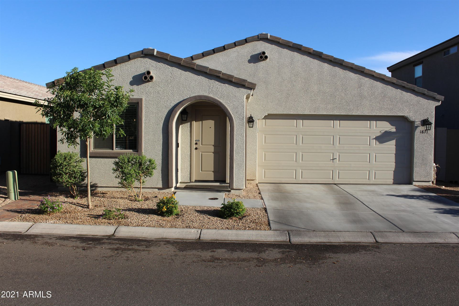 Photo of 1871 W STAGECOACH Street, Apache Junction, AZ 85120 (MLS # 6248232)
