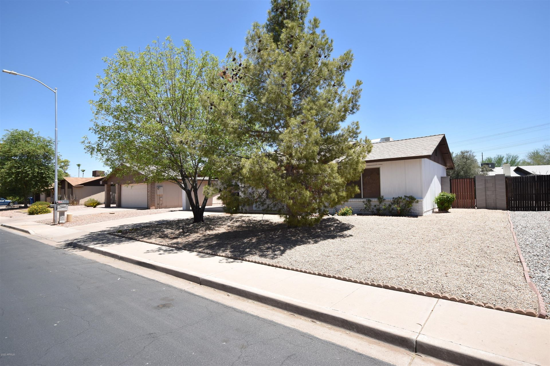 Photo of 723 W POSADA Avenue, Mesa, AZ 85210 (MLS # 6231233)