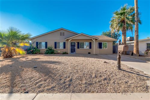 Photo of 1517 W VINEYARD Road, Phoenix, AZ 85041 (MLS # 6154239)